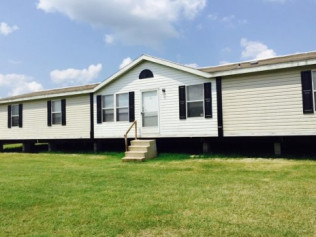 1998 Al/Tex 28 X 76 5 Bedroom / 3 Bath ($57,900)